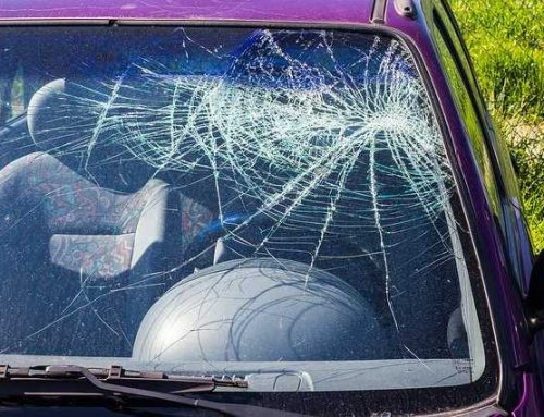 Auto Glass Shop vs. Mobile Auto Glass Service